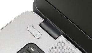 Particolare cerniera HP EliteBook 850 G1
